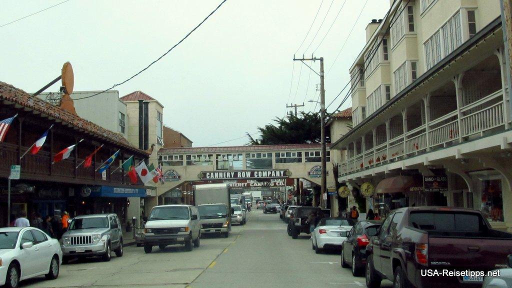 Monterey, CA Die Cannery Row, wo früher die Konserven abgefüllt worden sind.