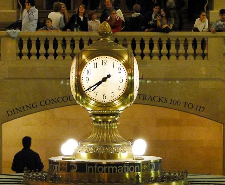Das Wahrzeichen des Grand Central Terminals. Die Uhr über der Infromation.