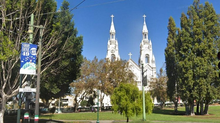 Die Peter and Paul Church in San Francisco. Drehort des Films 'Sister Act'