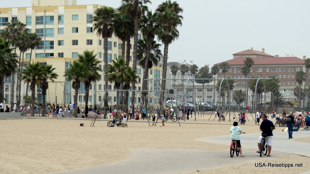 Santa Monica Am Ocean Front Walk