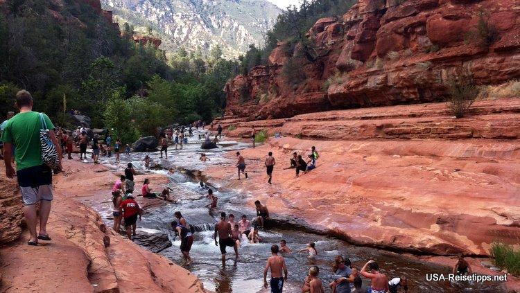 Der Slide Rock State Park in Arizona. Abkühlung pur im Oak Creek River.